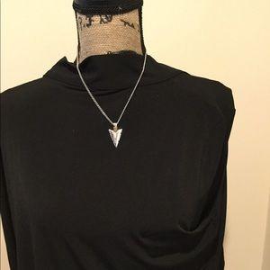 Jewelry - Silver arrowhead necklace